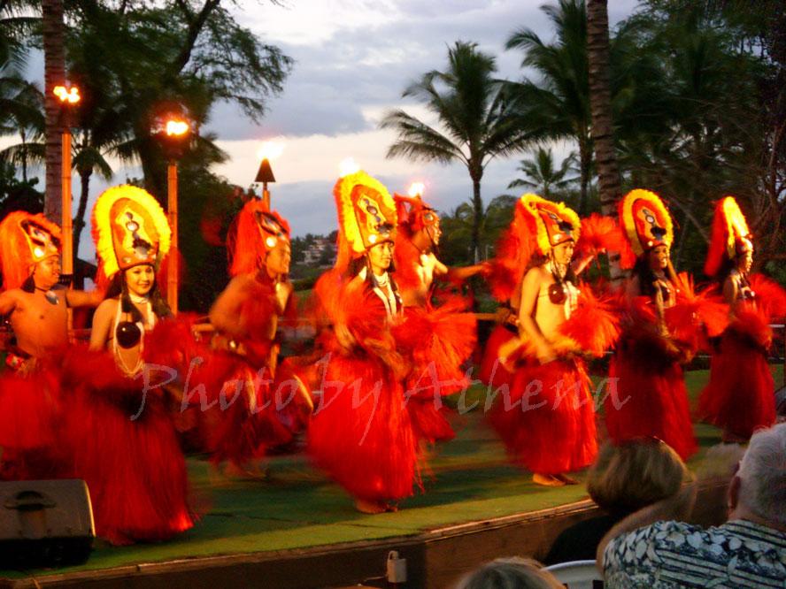 top 10 things to do on maui, watch Hawaiian Hula Dancers